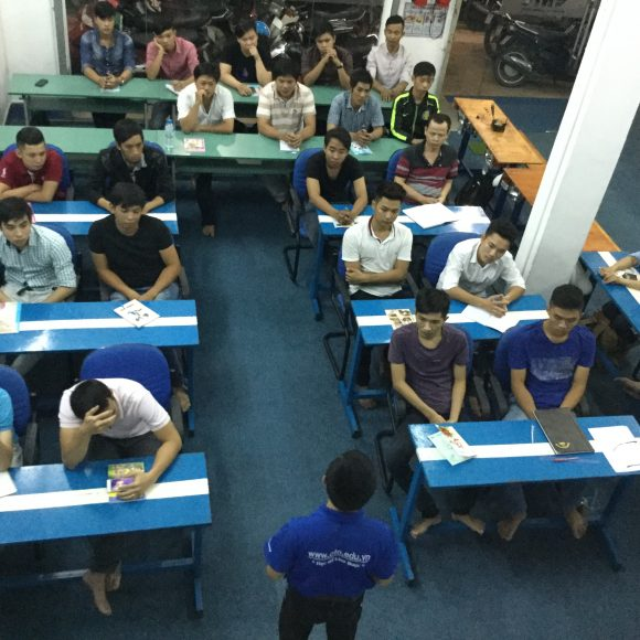 Khai giảng lớp KTV chẩn đoán & sửa chữa điện, điện tử ô tô khóa 04