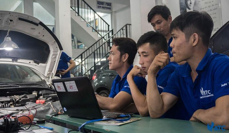 Trung tâm dạy nghề sửa chữa điện ô tô tại TPHCM